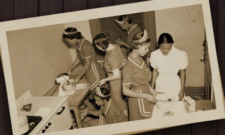 Household Workers photo from Wikimedia Commons