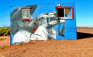 Painted building on the Navajo reservation. Photo by Aura Bogado / Colorlines.com