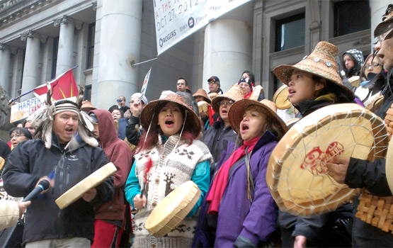 """Flash Mob Prayer Circle"" Shows Idle No More's Spiritual Side"